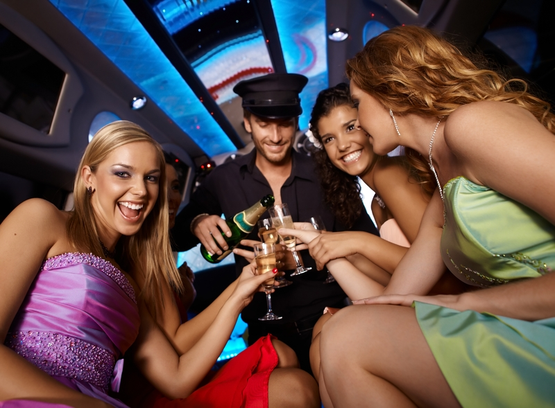 8 Reasons to Rent a Limo